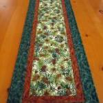 Pine Cones Quilted Table Ru..