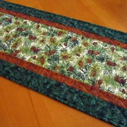 Pine Cones Quilted Table Runner