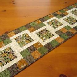 Quilted Table Runner Stepping Blocks